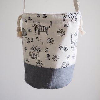 Hand made Canvas bag with kitten pattern in grey
