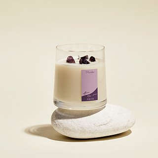 """After the rain"" naturally scented candle M"