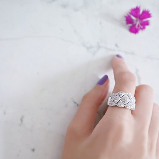 Clouds personality diamond ring