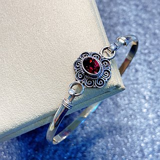 Garnet Bangle Made in Nepal 92.5% Silver