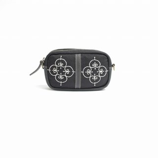 Iron pattern embroidery / shoulder pouch