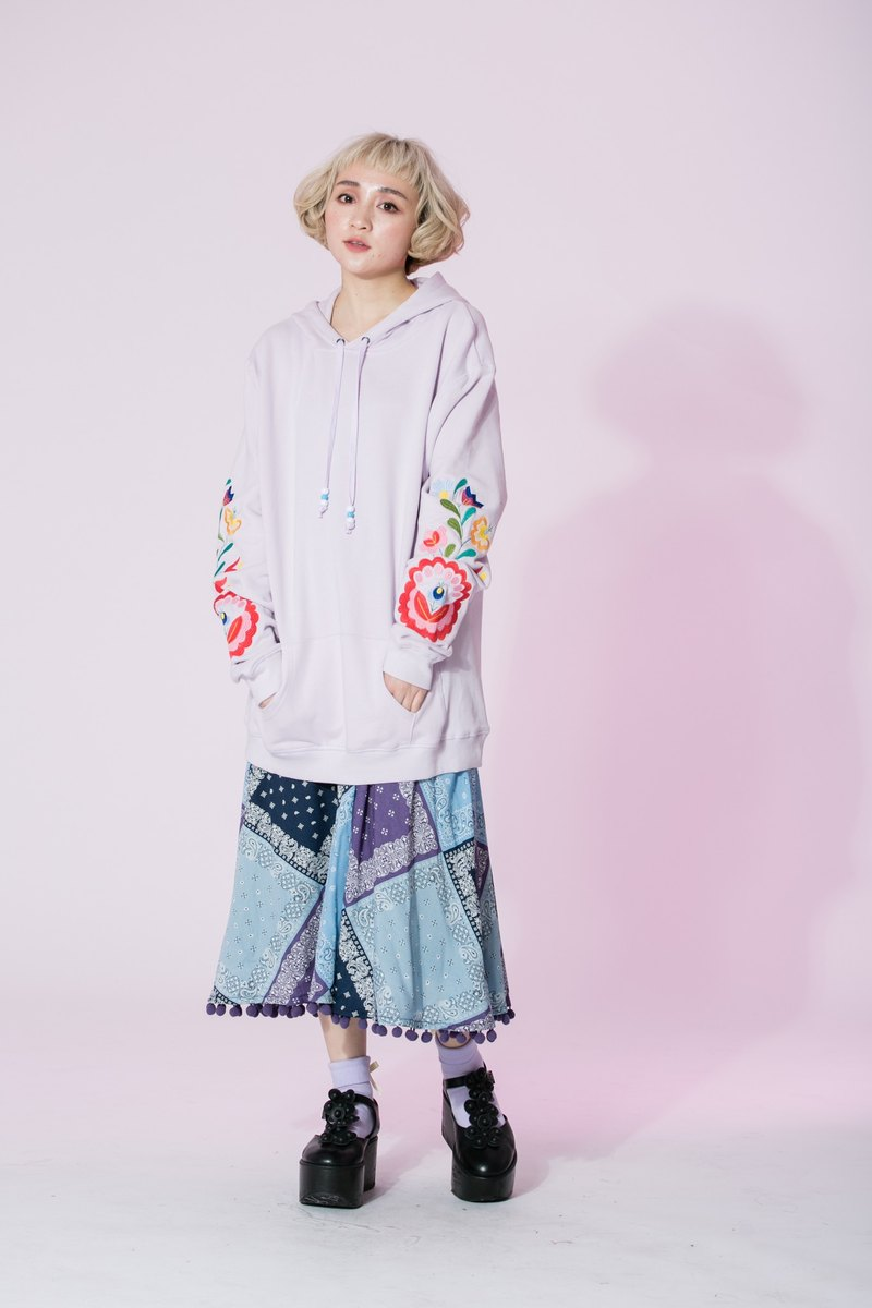: EMPHASIZE sleeves lengthened design flower embroidered pink and purple hooded T-
