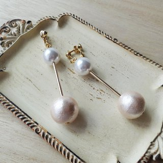 Pale pink cotton pearl baton Earrings