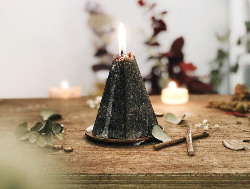 點燃的不只是蠟燭還有希望/蠟燭山/火山蠟燭/禮物/黑