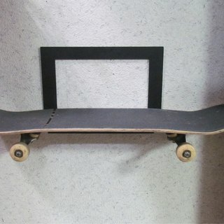 Special products, metal skateboards, skateboard rack, the commonly used skateboard storage on the wall, can also be used for general objects