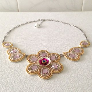 【beads embroidery】 Swarovski flower necklace