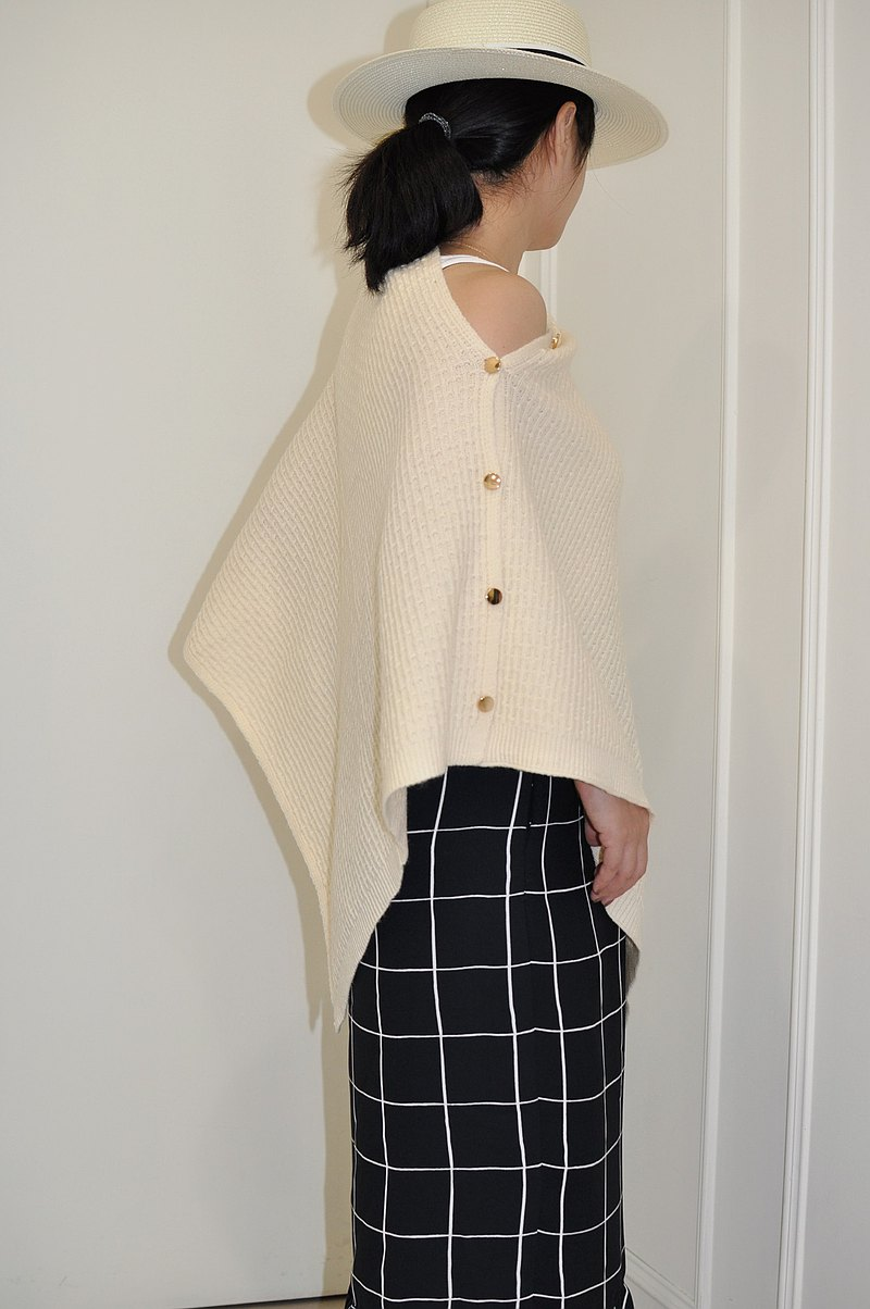 Flat 135 X Taiwan designer knitted wool scarf skin-friendly collocation button long shawl scarf