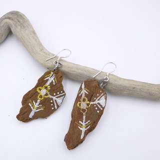 Natural hand-painted wood earrings Upcycling upgrade environmental protection and recycling - white, yellow