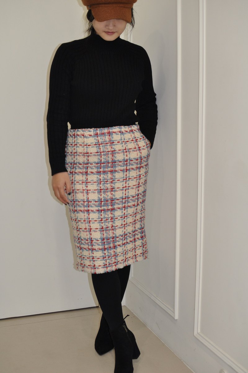 Flat 135 X Taiwanese designer 90% wool wool four-color woven wool fabric over-the-knee skirt