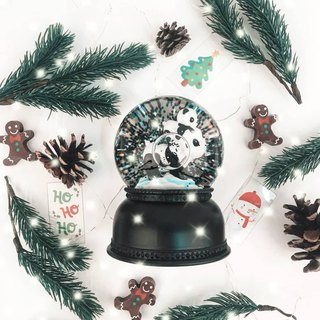 Snowglobe light: Panda