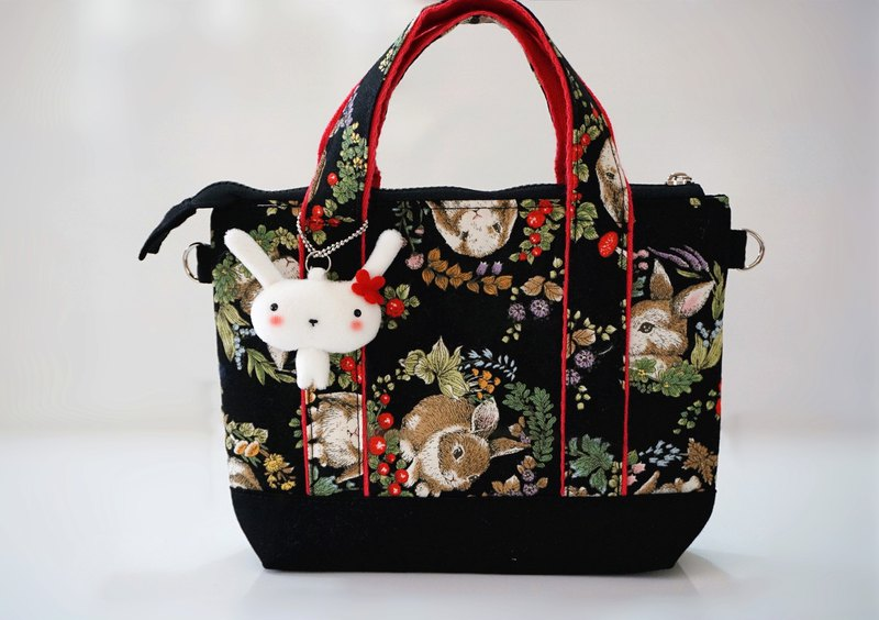 Bucute gorgeous bulu rabbits at any time to slip the phone small bag / travel abroad / hand made / Japanese printed cloth