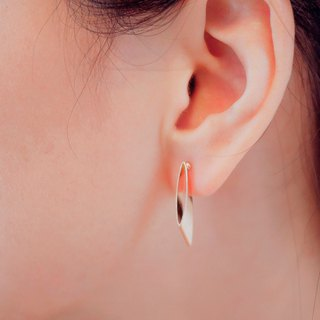 symmetrical-a pair of slab-sided form earrings < once upon a time*earrings >
