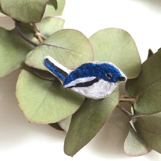 Magpie 鸲 wild bird embroidery brooch