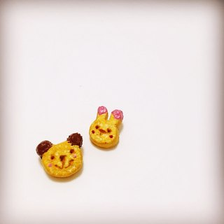 Bear and Bunny friends biscuit earrings set (2 set) (can change the ear clip type) ((over 600 were sent mysterious little gift))