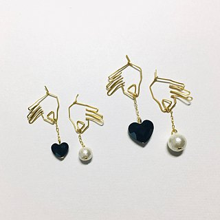 <For both ears> Hanging heart (black) Cotton pearl