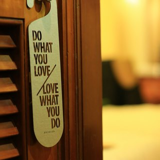 "[EyeDesign see design] a word door hanging ""DO WHAT YOU LOVE LOVE WHAT YOU DO"" D04"