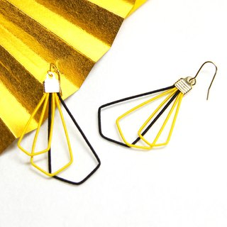 japanese style pierce earring / mizuhiki / japan / accessory / triangle / yellow
