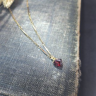 ViiArt. Fine wine. Garnet Vintage Gold Ancient Clavicle Chain Cluster Mini Spell
