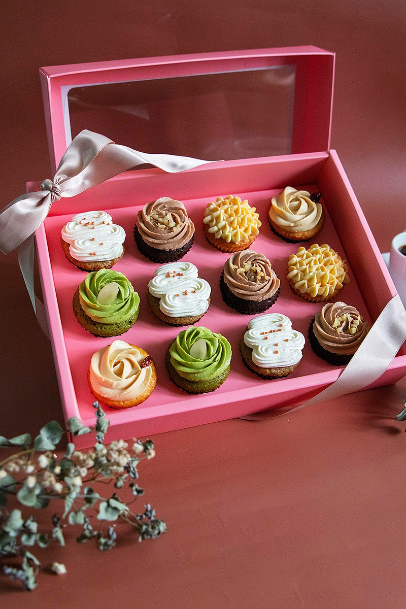 [Full of Heart | Mid-Autumn Festival Gift Box] 12 pieces of mini cupcakes / five flavors at once