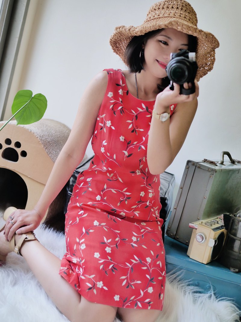 He Shui Shan-Aichi Pure Red Rendering Gradient Flower Wrapping Antique One-piece Cotton Long Dress Dress