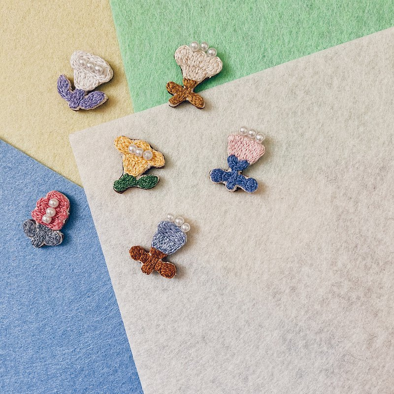 Hand embroidery / brooch / brooch / choose one flower (mini ver.)