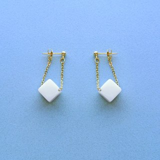 Chicken Maru lab micro-sweet early summer milk sugar earrings / ear clip (ED005)
