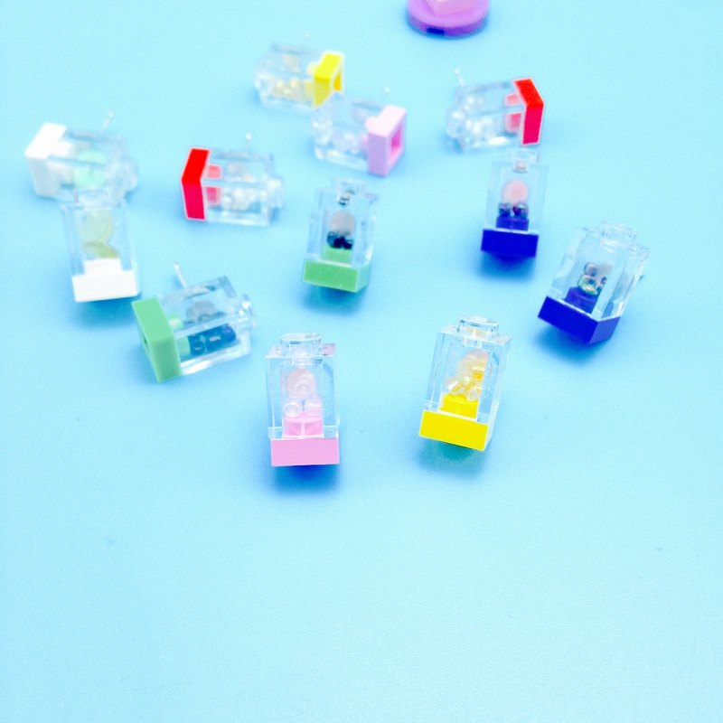 Color model  - LEGO EARRING