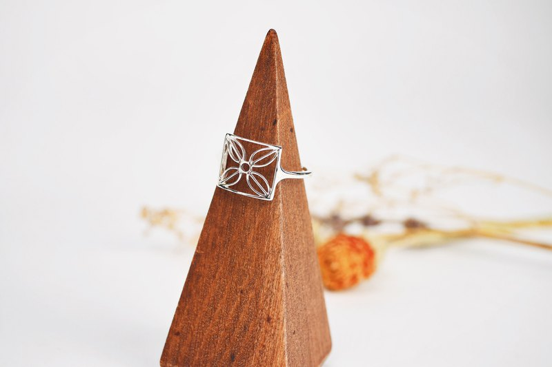 [Window Flower Series] Middle Window Flower No. 1 Square Ring