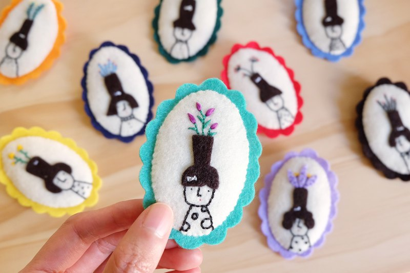 Miss Hairy Collection / Oh! It's growing! / Brooch 06