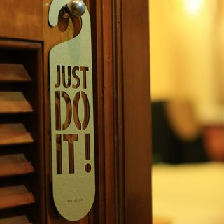 "[EyeDesign see design] a word door hanging ""JUST DO IT!"" D19"