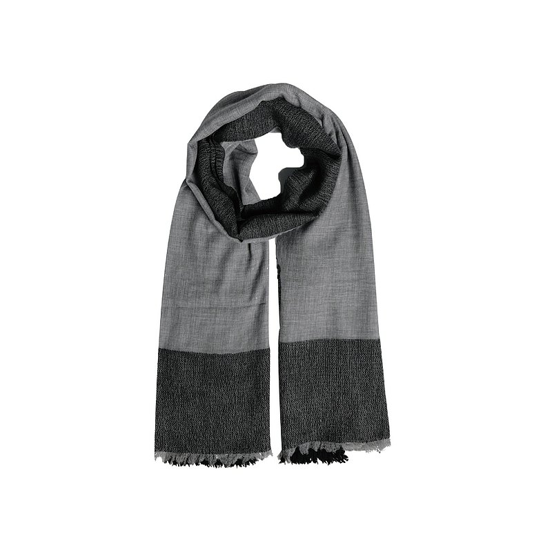 Check knitted scarf