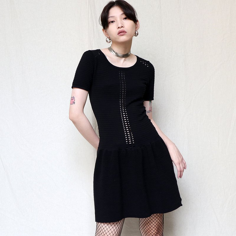 Pumpkin Vintage. Maje black cutout skinny short-sleeved dress