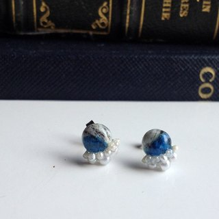 14kgf rare stone Himalaya K2Azurite × vintage pearl collage earrings OR ear clip