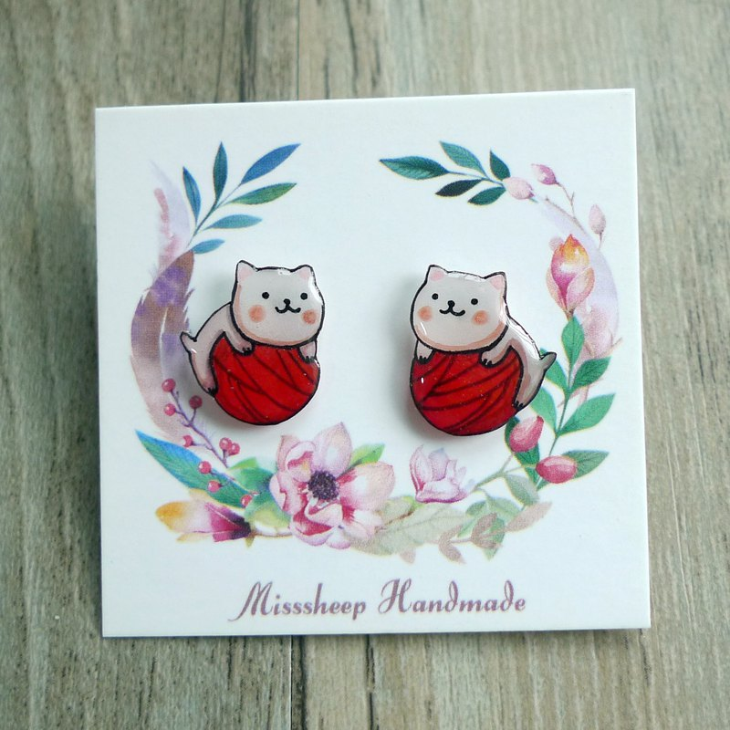 Misssheep-U79- Hand-painted cats with earrings (ears/ear clips) (pair)