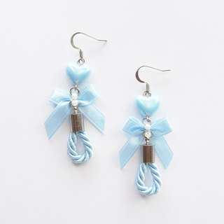 Sweet blue bow drop earrings