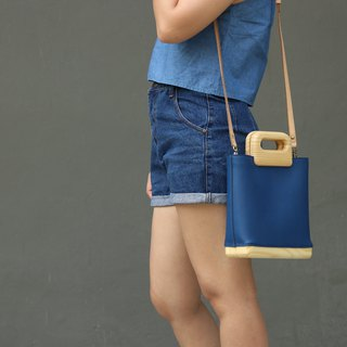 Square tote (deep blue)