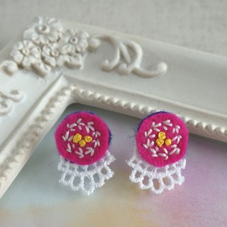 "Hand embroidery pierced earring""Vivid circle"""