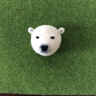 Polar bear Steve face brooch