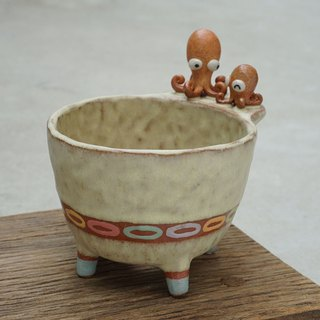 Plant pot with a duck,two tone,cactus,ceramics,pottery,handmade