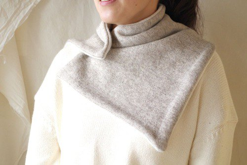 Large-size neck warmer (gray) of organic cotton blanket