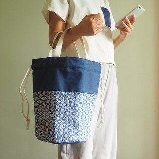 Handmade canvas bag with Japanese blue and white pattern