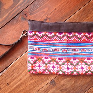 【Grooving the beats】[ Fair Trade] Hmong Wristlet Purse With Leather Trim Handmade Thailand / Cosmetic Bag(Pink)