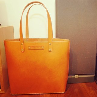 Guillaume tote bag shoulder bag handmade vegetable tanned leather hardground