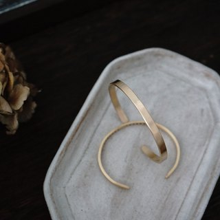 【IMPERFECT BRASS BANGLE】| FREE EMOSSED