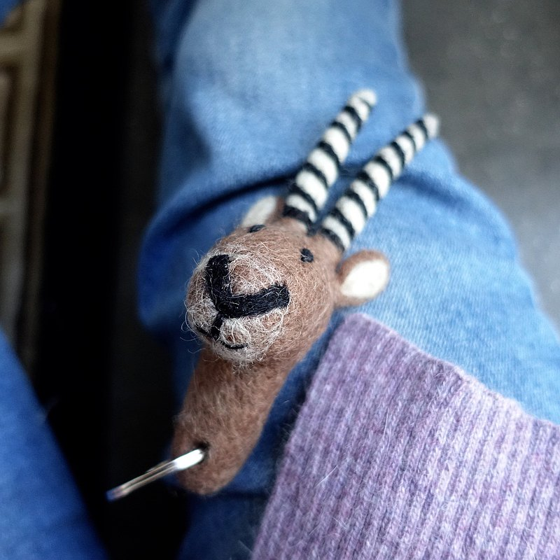 羊毛氈鑰匙圈・脆笛酥山羊