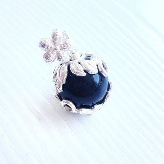 <BLOSSOM> Limited Obsidian Silver Floral Pendant