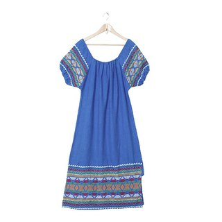 {::: Giraffe Giraffe :::} _ Geometry H line Sky Blue Mexican Embroidery Ancient Dress