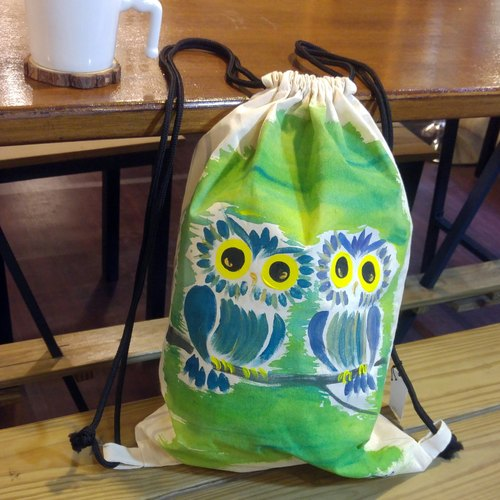 Painted owl Winwing twin beam port hand-painted canvas Backpack