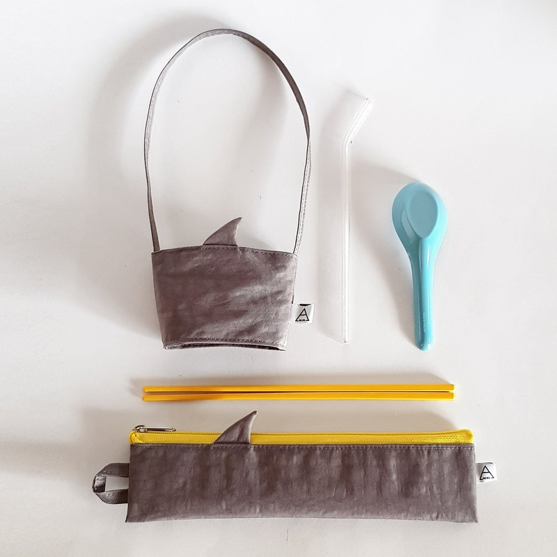 New iron ash shark fin / shark comes with environmentally friendly cutlery bag + beverage bag / exclusive group / pure gray shark