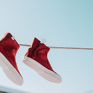Foot bag day | Kyoto red yarn flower cloth shoes. Chidori pattern inside. Can be folded back two wear. Leather insole
